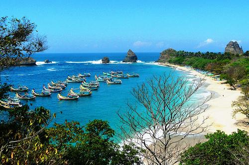 2 Wisata Pantai Terindah di Jawa Timur