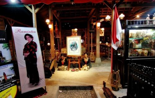 Tempat Makan Di Jogja Yang Terkenal House Of Raminten