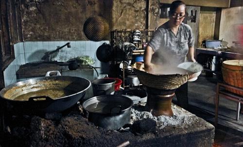 Tempat Makan Di Jogja Yang Terkenal Gudeg Pawon