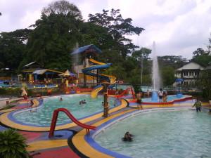 Wahana Air Taman Mangkubumi Indah